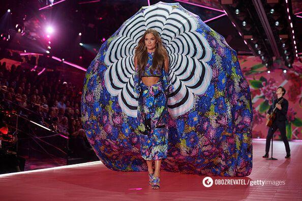 Victoria's Secret Fashion Show-2018: спекотні фото й відео з показу