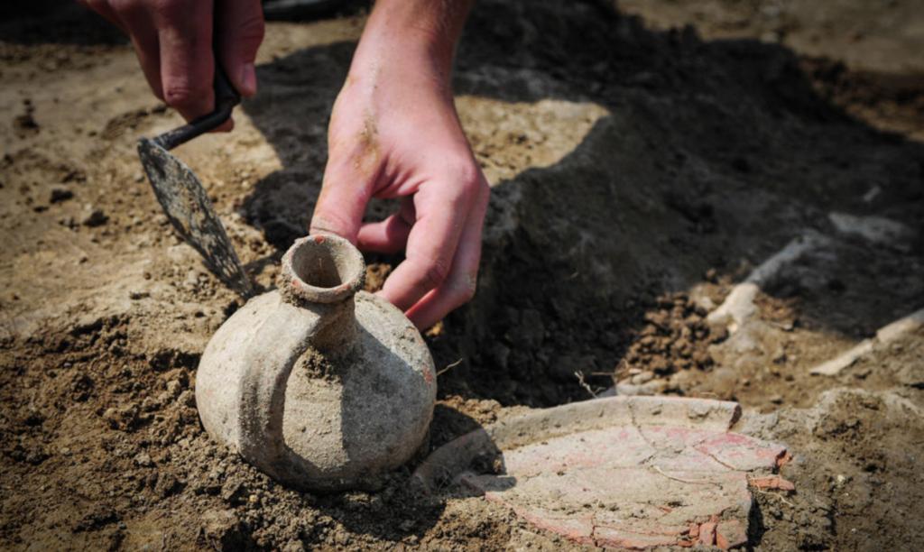 В Крыму обнаружили древнее поселение
