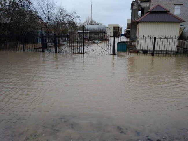 Под Запорожьем затопило базы отдыха