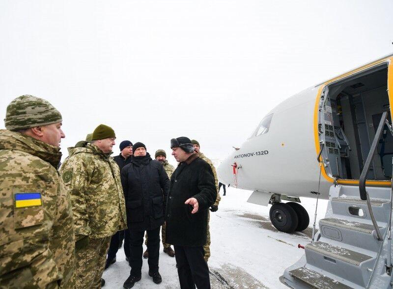 Порошенко сказал, сколько военных Путин стащил к Украине