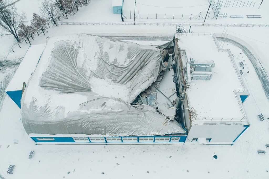 Под Киевом обрушилась крыша спортзала
