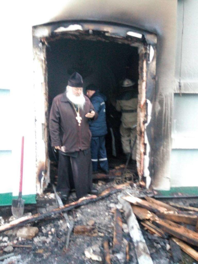 На Киевщине подожгли храм УПЦ МП: появились фото