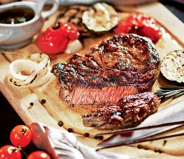Їсти м'ясо — смертельно небезпечно: вчені зробили заяву