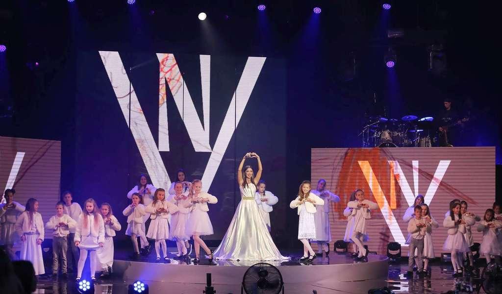 Валевская устроила динамичное мегашоу в Киеве: фото