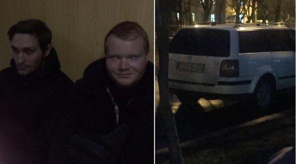 """""""Група"""" підтримки Джумаєва в суді. 11 грудня вони теж були разом із ним (їхнє авто)"""