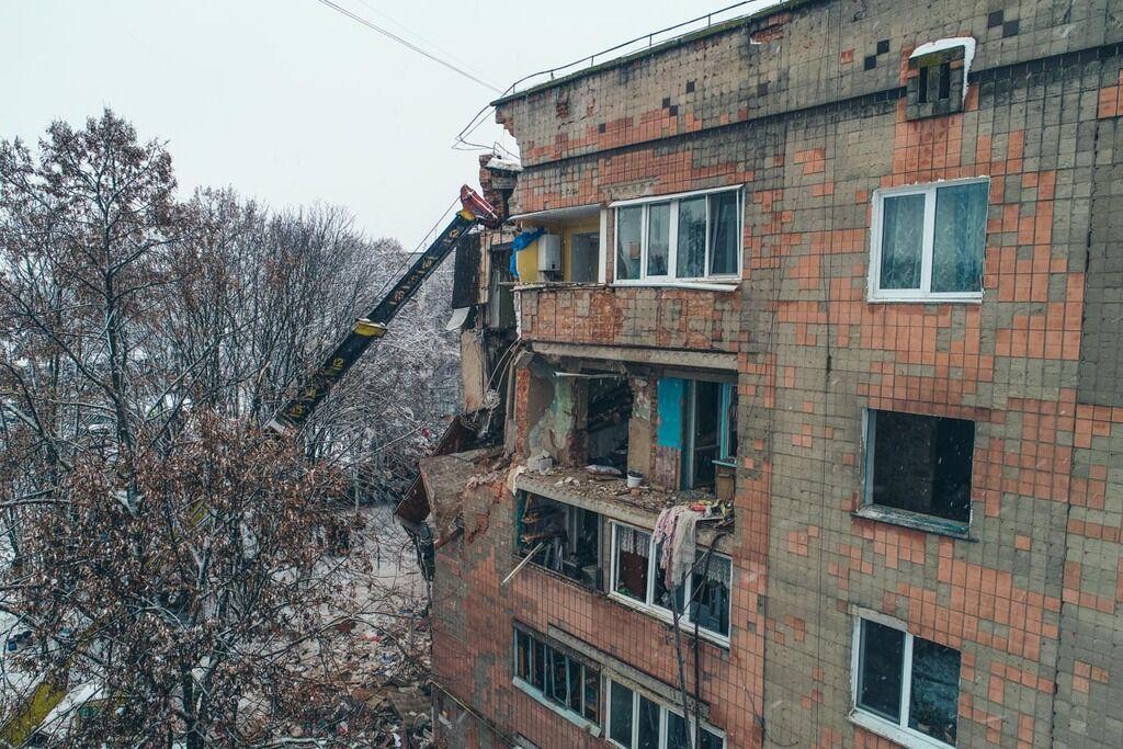 Появились свежие фото разрушенного дома в Фастове