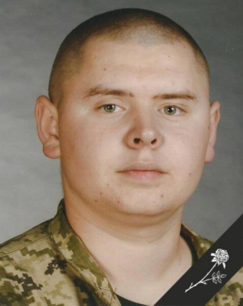 Під Львовом у ДТП розбилися українські військові: імена та фото загиблих