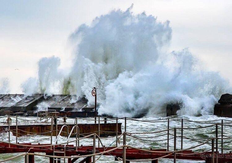 Зимовий шторм в Одесі: з'явилися неймовірні фото