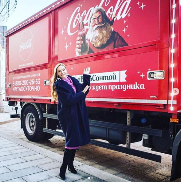 Жену правой руки Путина ''заклевали'' за рекламу США