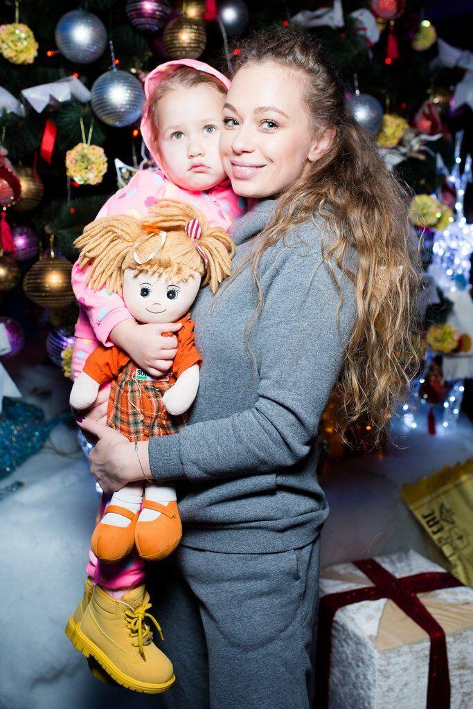 Яна Соломко з донькою