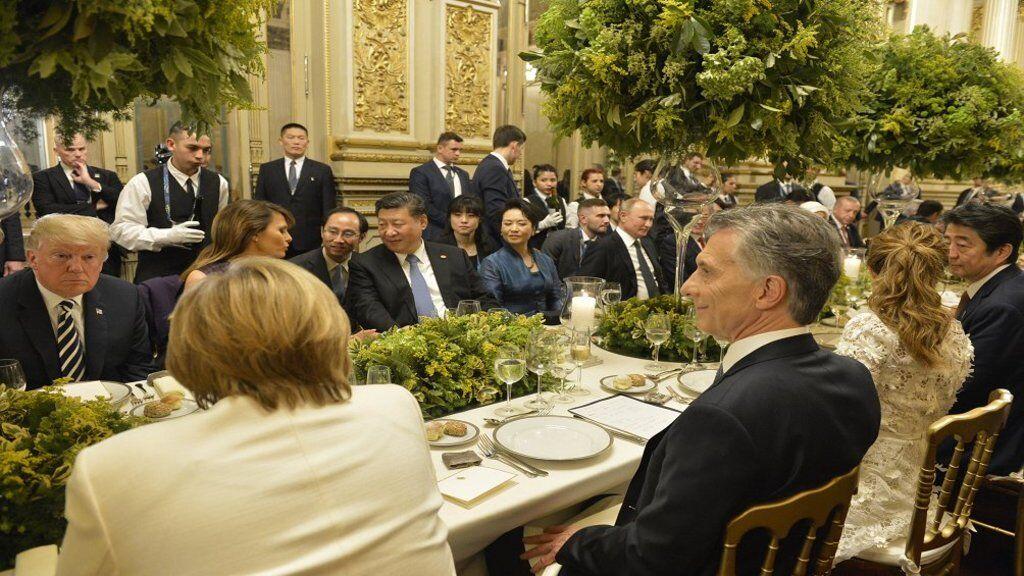 Путін повеселив мережу забавним кадром з саміту G20