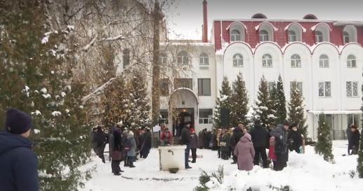 Украинская учительница загремела в скандал из-за шутки об УПЦ МП: в России подхватили