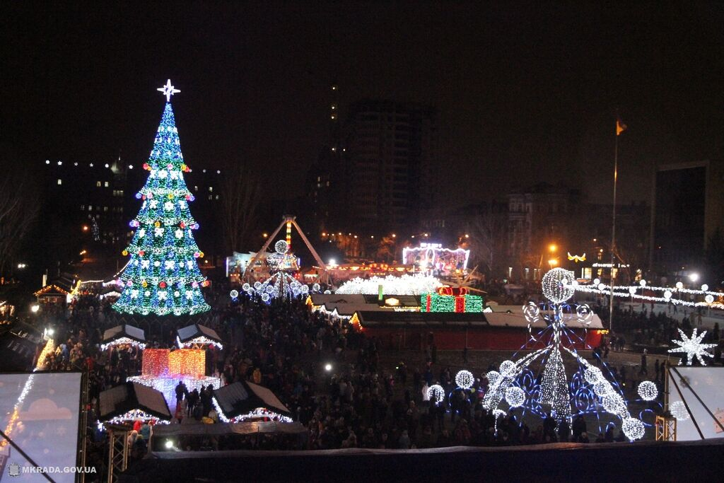 Открытие главной елки в Николаеве 19 декабря
