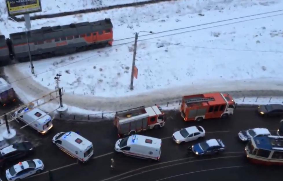У Петербурзі потяг протаранив маршрутку з людьми