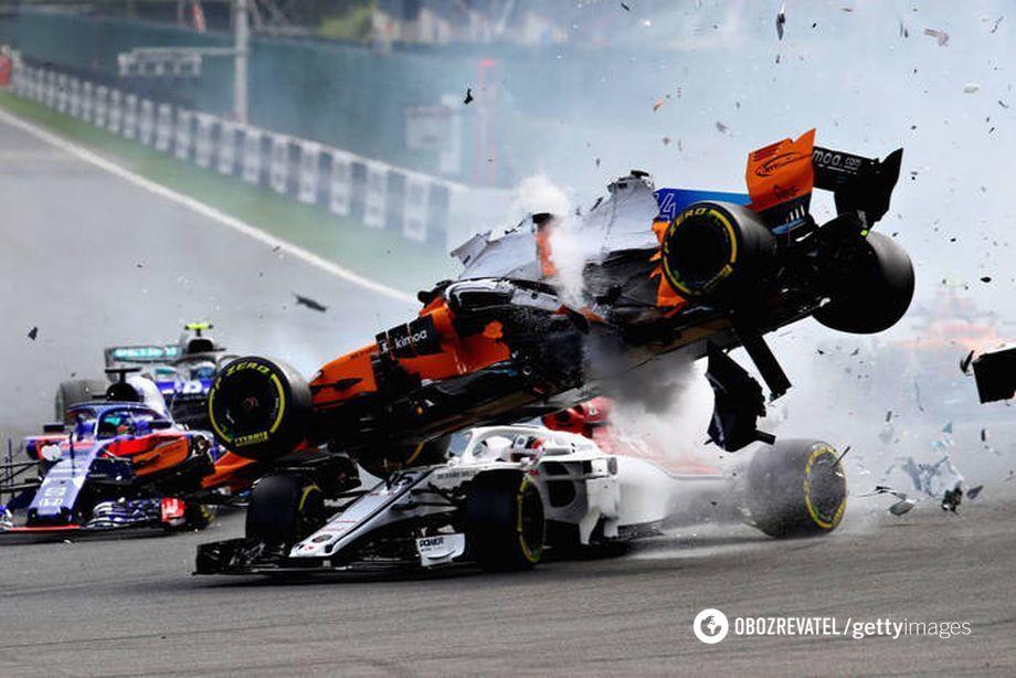 Формула-1: аварія Фернандо Алонсо і Шарля Леклера на Гран-прі Бельгії