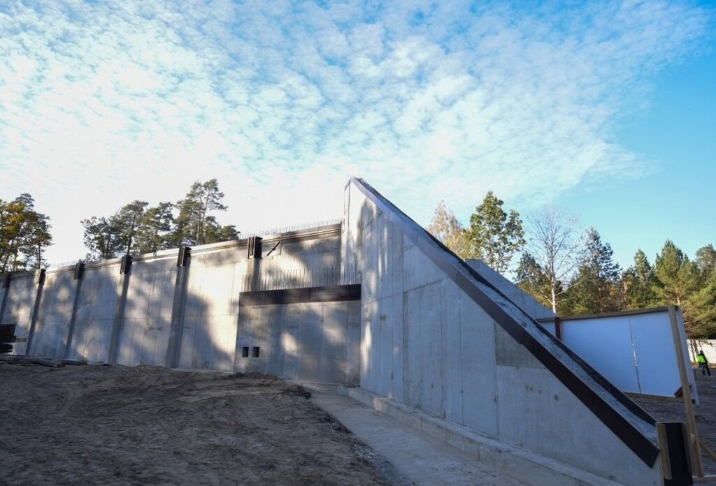 Будівництво сучасного залізобетонного сховища боєприпасів у Хмельницькій області