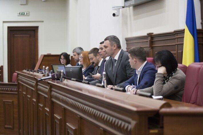 Кличко переконав депутатів проголосувати за розрив договору зі скандальним забудовником Осокорків