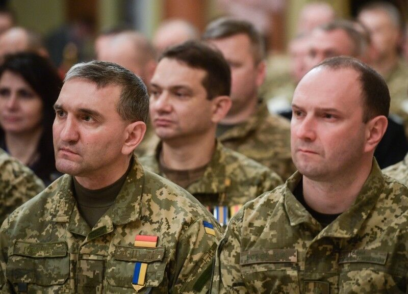 Порошенко наградил украинских героев за Донбасс