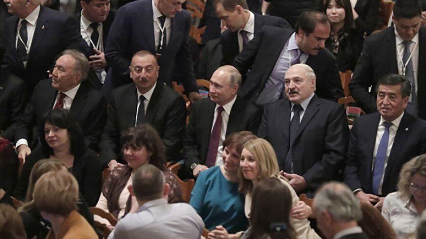 """""""Хотим газ по $70"""": Лукашенко поспорил с Путиным"""