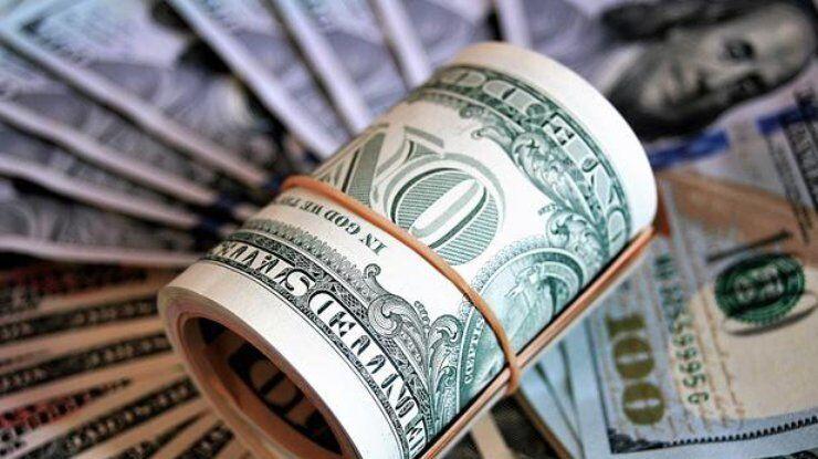 Не проб'є психологічну позначку: скільки коштуватиме долар в Україні взимку