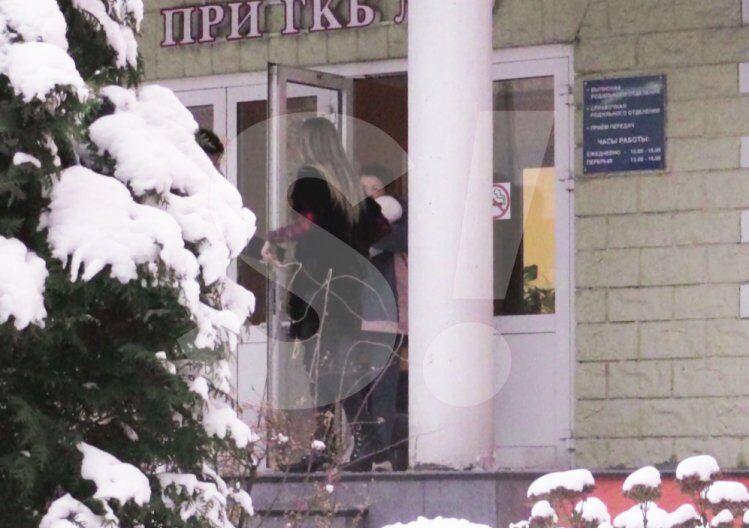 Топалов забрав Тодоренко з пологового будинку: перші кадри