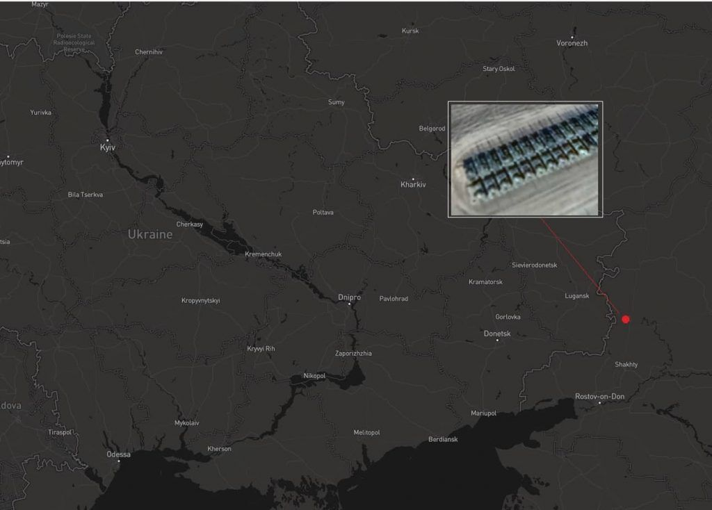 РФ стягнула танки до кордону з Україною: супутникові знімки