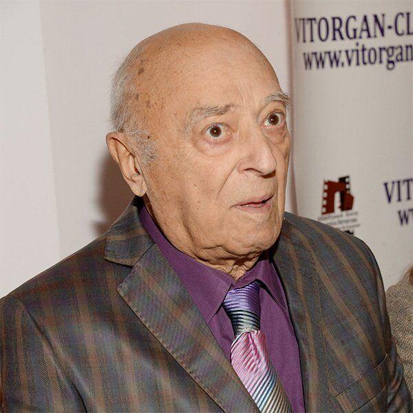 Володимир Етуш у 96 років несподівано повернувся на сцену