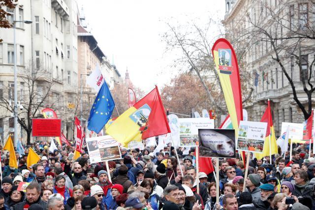 Ð' Венгрии прошли маÑÑовые протеÑÑ'Ñ‹ против ''рабÑкого закона''