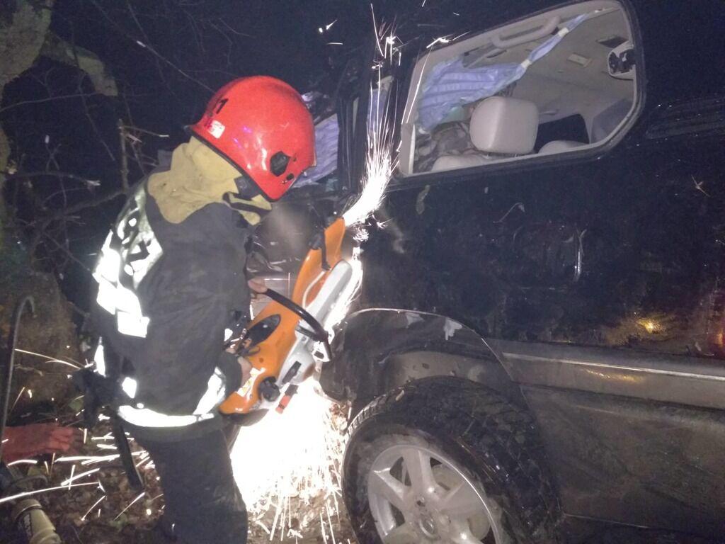 Жахлива аварія: двоє прикарпатців на елітному «лексусі» розбилися на смерть (фоторепортаж)