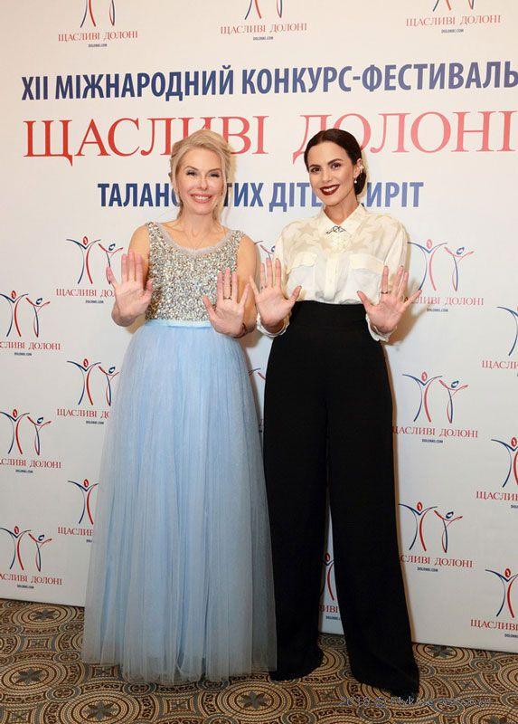 Елена Поддубная и Настя Каменских