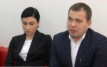 Анастасия Приходько с юристом Иваном Клечановским
