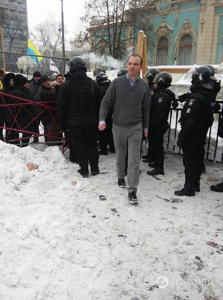 Нардеп Єгор Соболєв біля Ради 27.02.2018