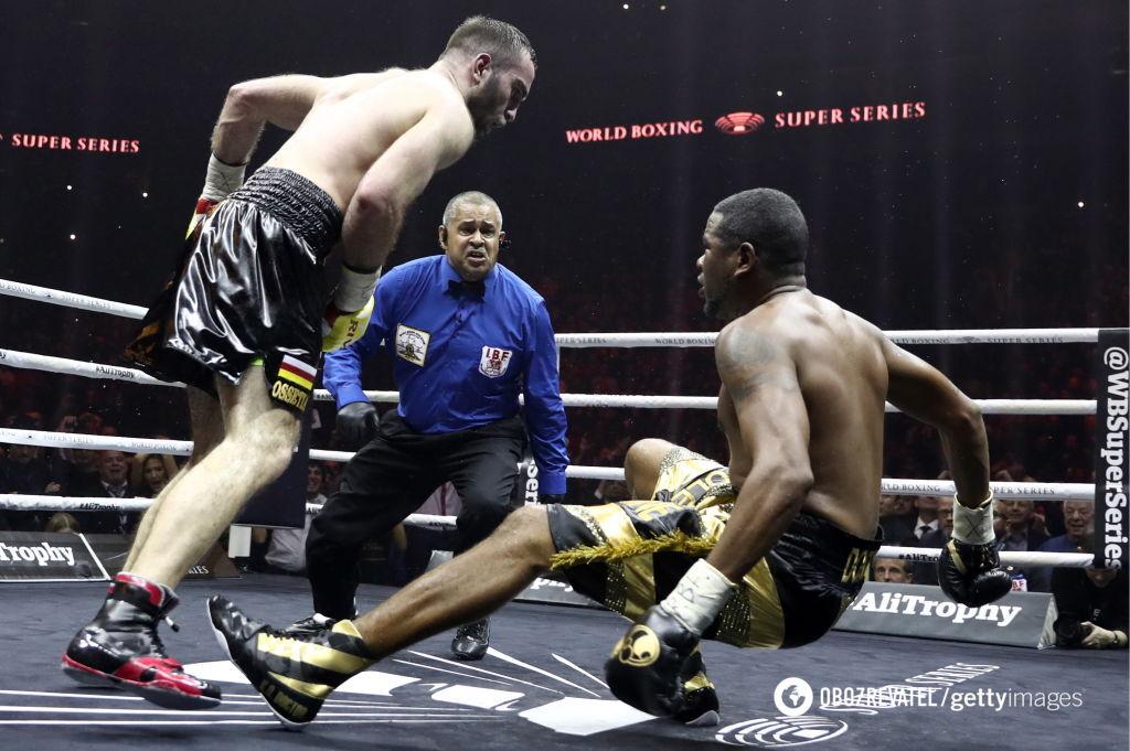 Два нокдауна и нокаут: определился соперник Усика в финале WBSS