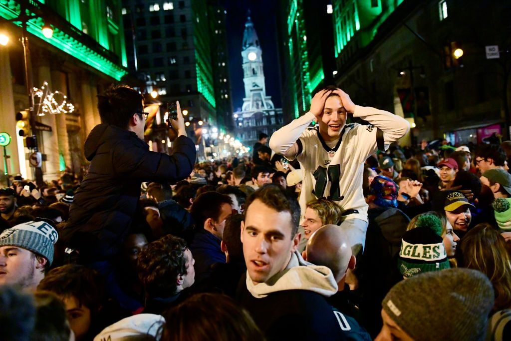 Погромы и сумасшествие: в США прошло главное спортивное событие года