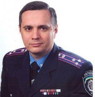"""Стрілянина на вокзалі Одеси: чина поліції вирішили """"відмазати"""""""
