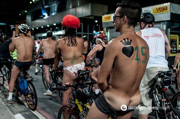У Бразилії велосипедисти влаштували голий протест