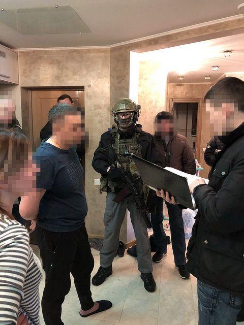 """СБУ затримала власника мережі магазинів """"ДНР"""""""