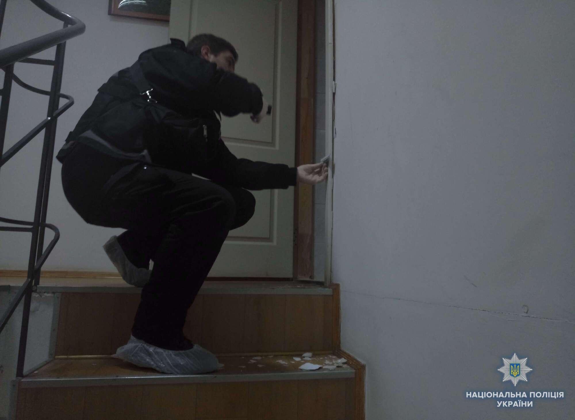 Связали охранника и вскрыли сейфы: в Киеве ограбили офис