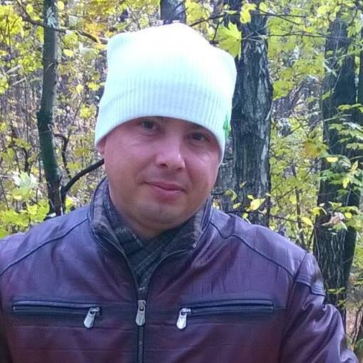 Бил лопатой: на Киевщине живодер расправился с собакой