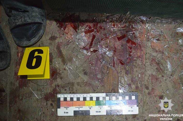 В Павлограде школьник порезал соседей: есть жертвы