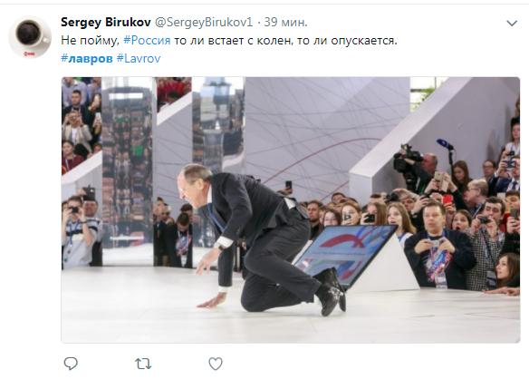 """Лошадь на льду: """"встающий с колен"""" Лавров стал героем фотожаб"""