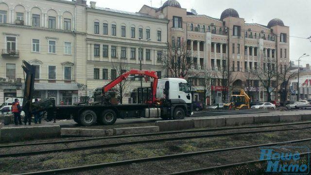Сняли асфальт: в Днепре активизировалось строительство метро