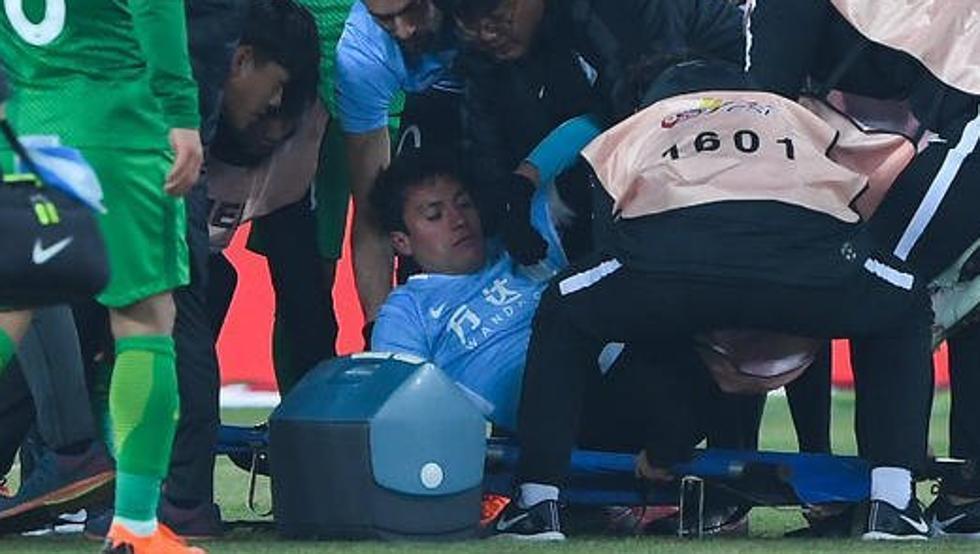 Футболист сборной Бельгии спас жизнь игроку во время матча