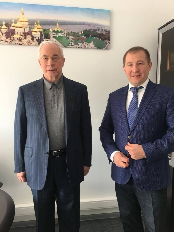 Азаров вирішив дати свідчення щодо Януковича