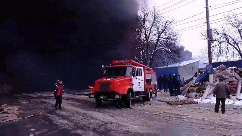 У Чернівцях загорівся один з найбільших ринків України