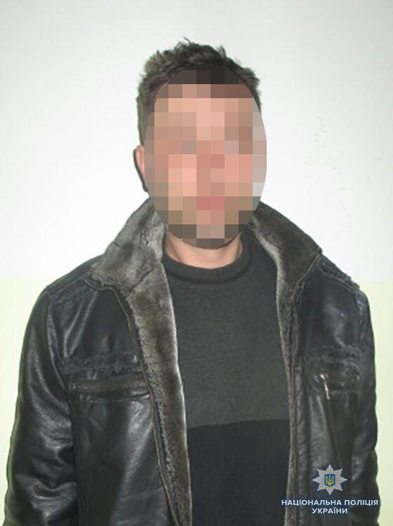 В Запорожской области мужчина угрожал взорвать гранату при ребенке (ФОТО)