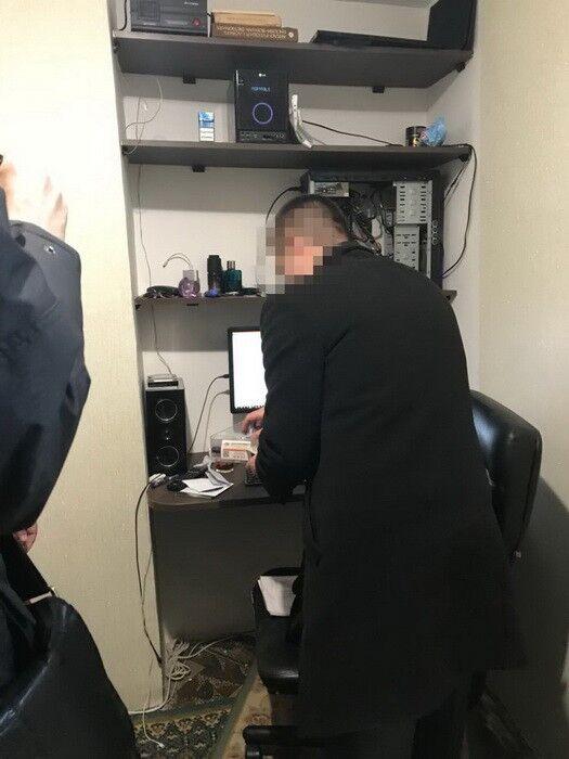 СБУ викрила оператора, який зливав розмови ФСБ