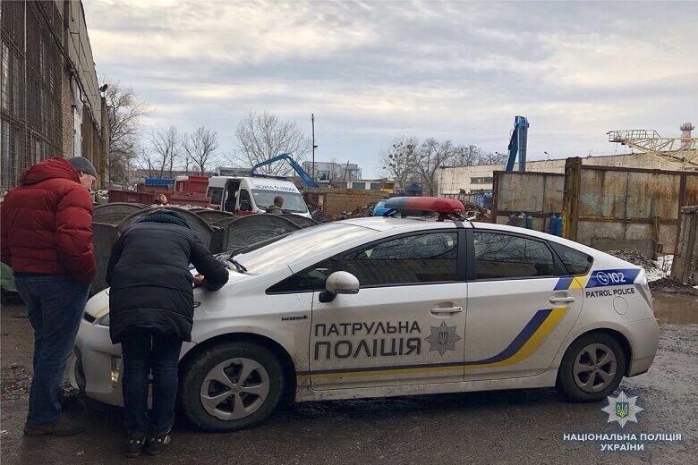 У Києві в сміттєвому баку знайшли тіло немовляти