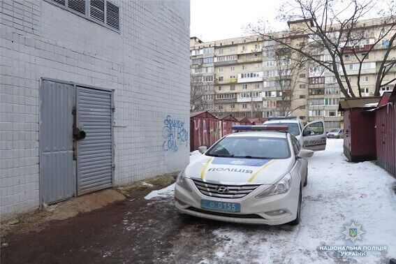 Напав і пограбував дитину: в Києві перехожі зловили злодія