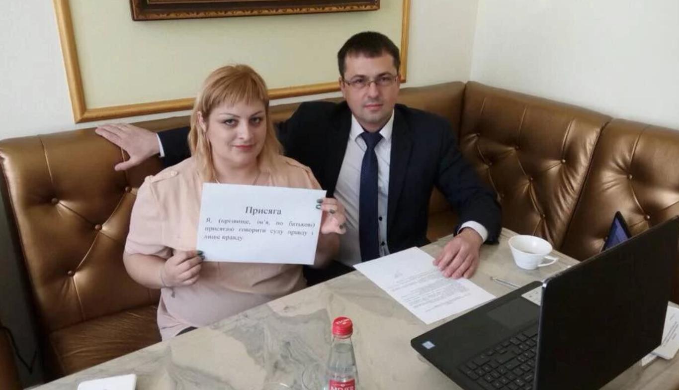 """""""За те, що москалі"""": кримчанка розповіла про """"звірства"""" за часів Майдану"""
